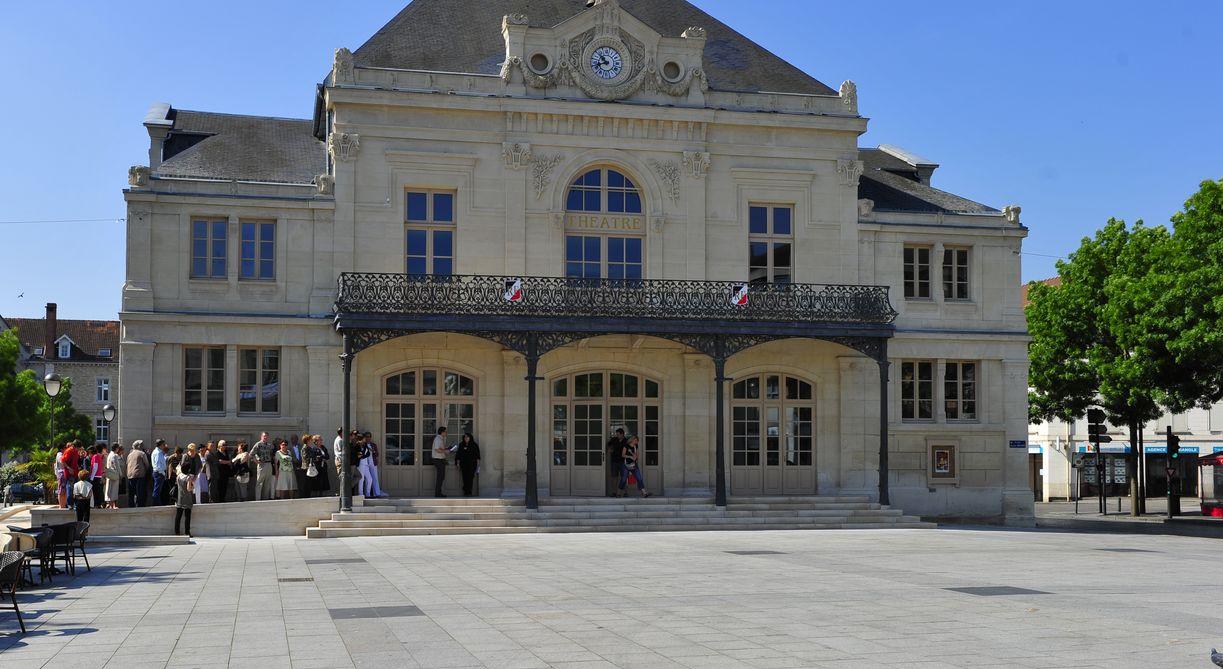 Le thtre luitalienne de saintdizier with foire expo saint for Foire de saint dizier